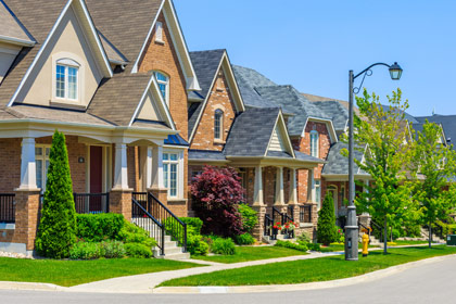 Borrowing costs stay at bay, which is certainly welcoming news for those looking to buy a home before the summer ends